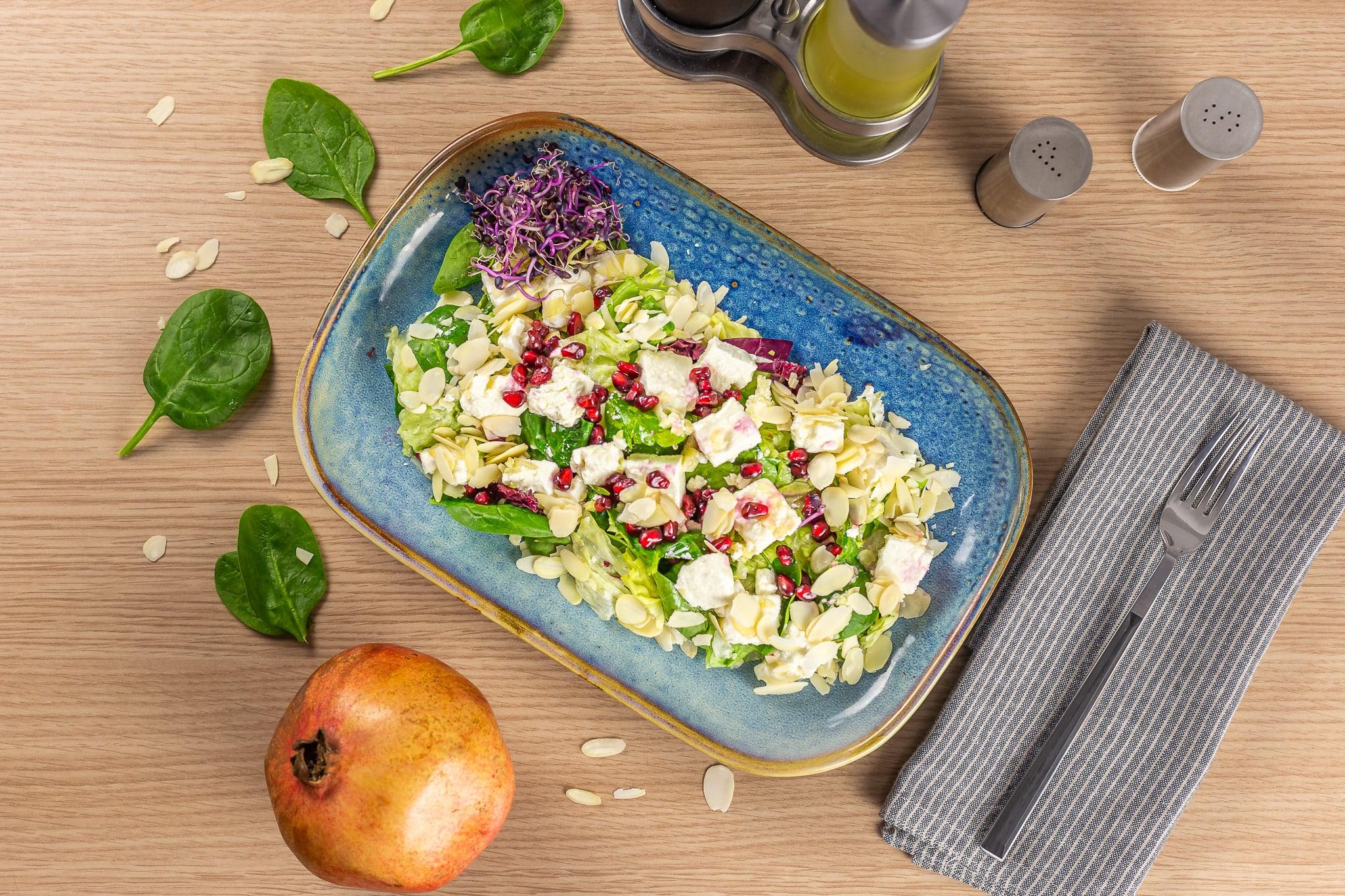Salata cu feta și rodie